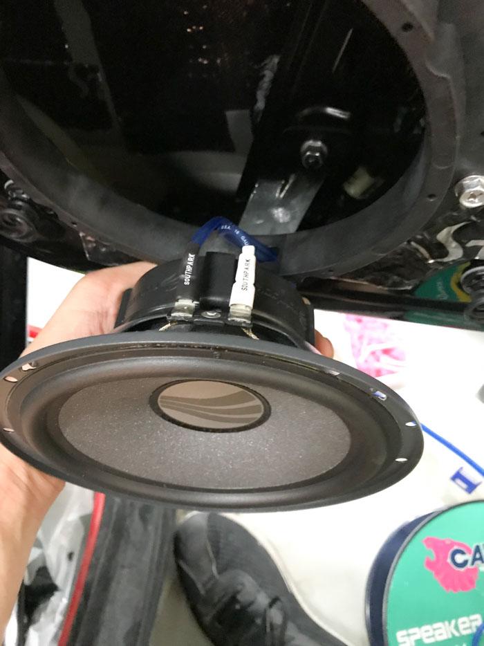 厦门大众 迈腾汽车音响改装两分频 - 厦门南方公园汽车音响改装 隔音改装 第11张