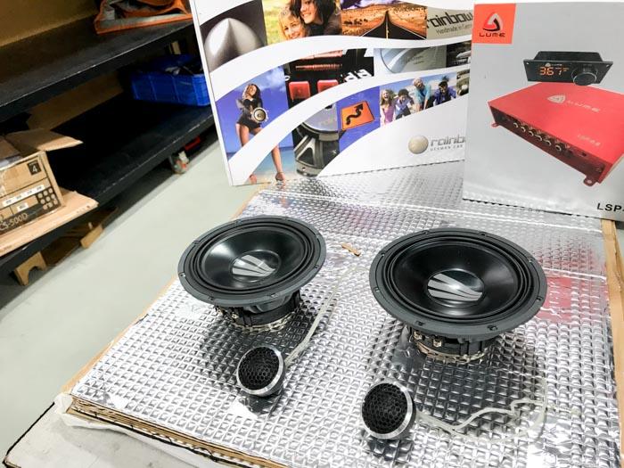 209【奔驰 A45AMG改装案例】德国彩虹德国系列主动两分频,美国DD12寸超低音,德国乐斯登功放,乌克兰CTK隔音 隔音改装 第3张